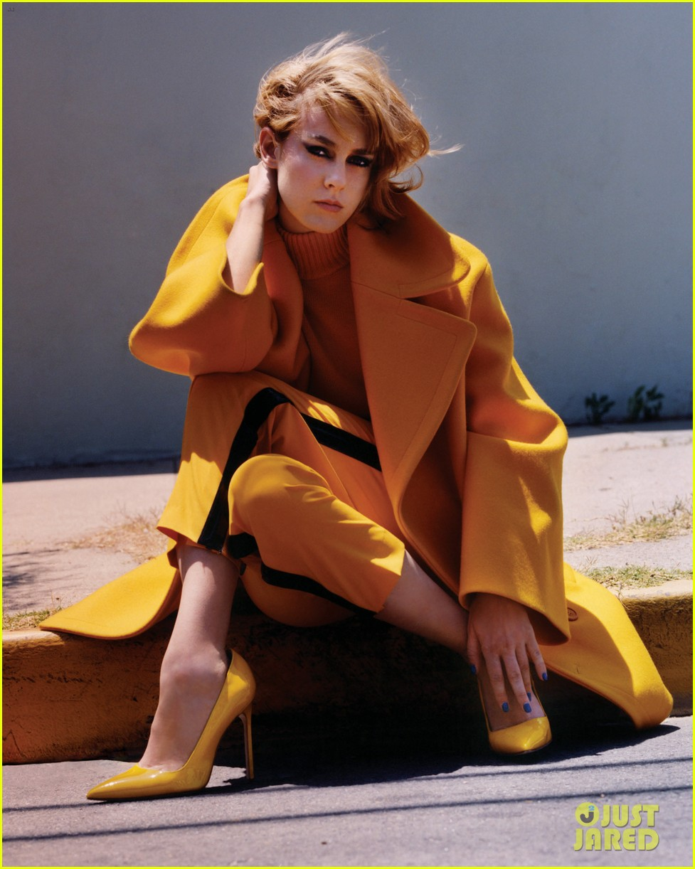 chloe sevigny jena malone v magazine indie queens exclusive 012938481