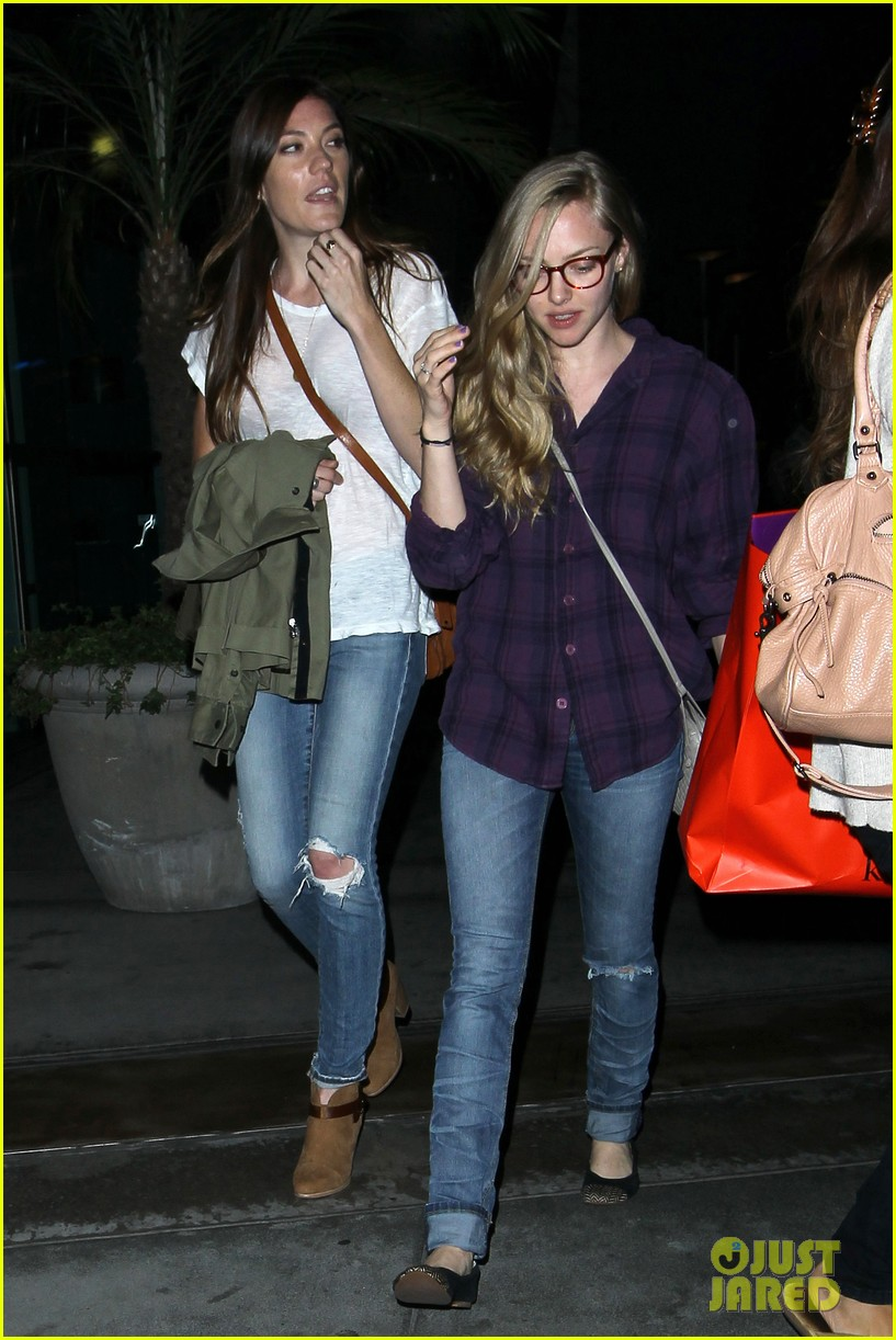 amanda seyfried had so much fun with jennifer carpenter 072936073