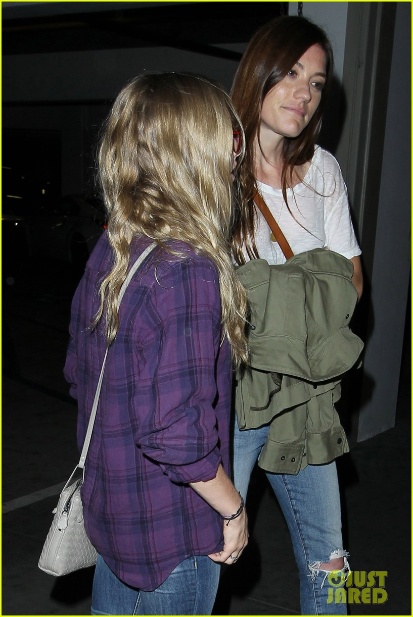 amanda seyfried had so much fun with jennifer carpenter 142936080