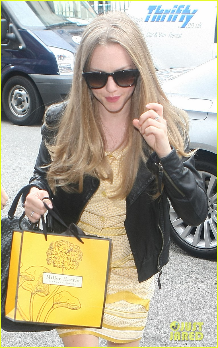 amanda seyfried more films should discuss sexual issues 042929533
