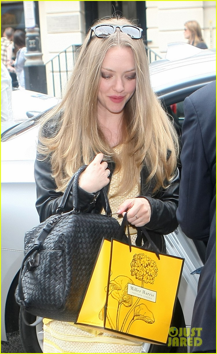 amanda seyfried more films should discuss sexual issues 112929541