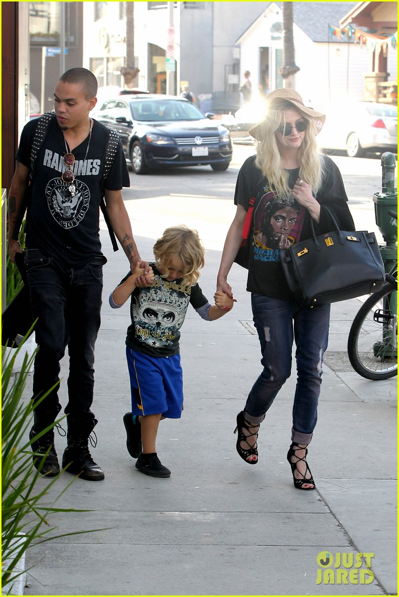 ashlee simpson bronx loves being cousin to maxwell ace 132923771