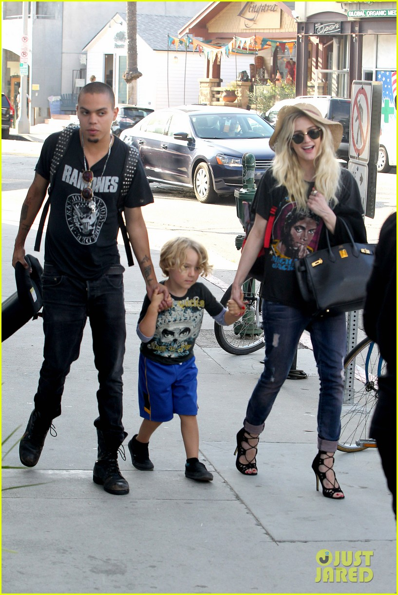 ashlee simpson bronx loves being cousin to maxwell ace 142923772