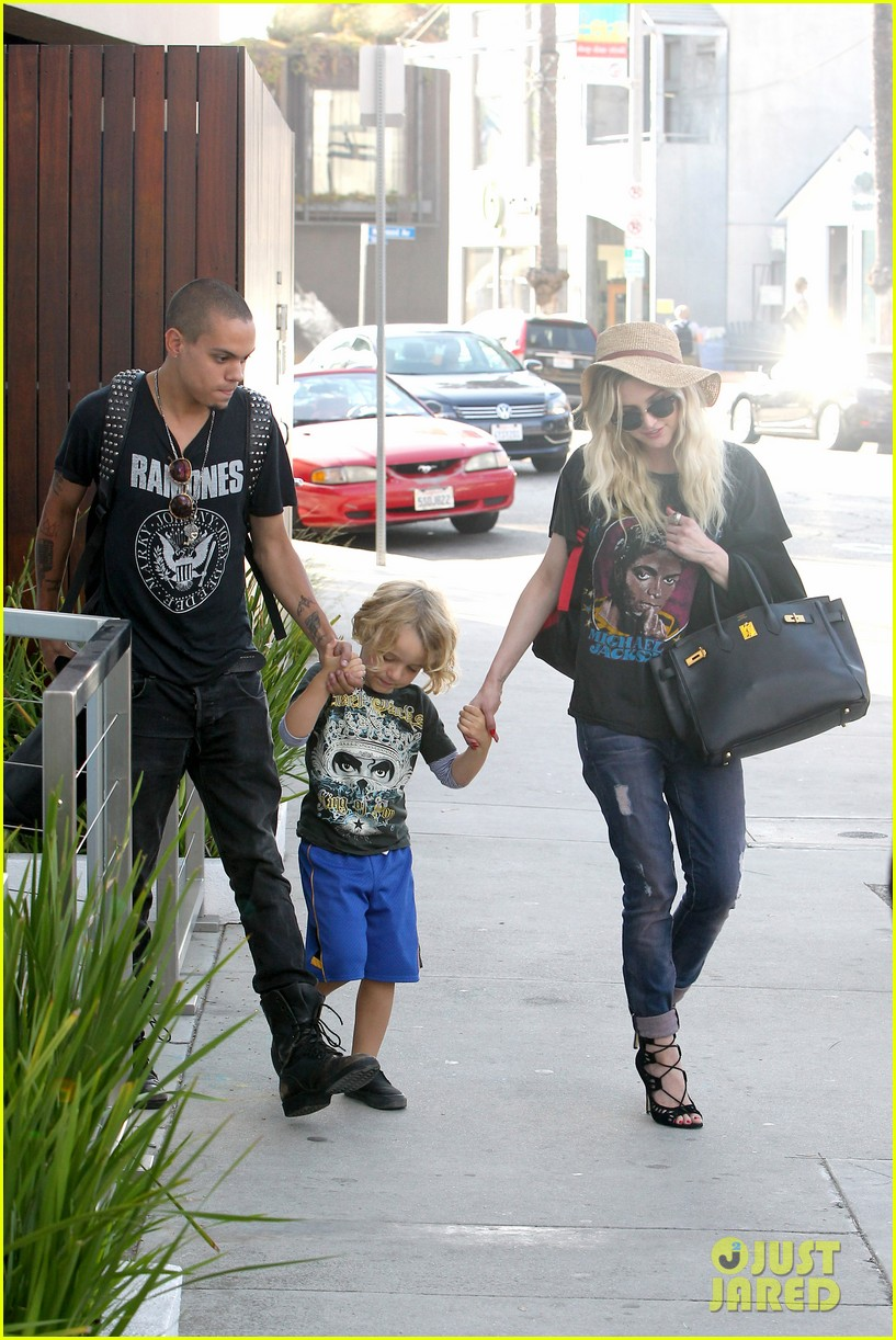 ashlee simpson bronx loves being cousin to maxwell ace 162923774