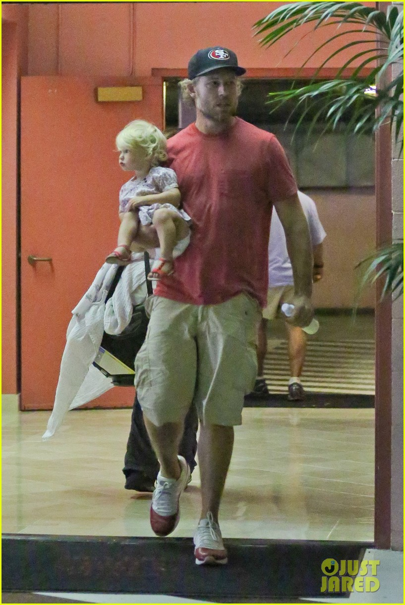 jessica simpson eric johnson step out after aces birth 052921468