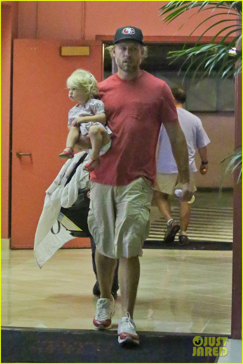 jessica simpson eric johnson step out after aces birth 082921471