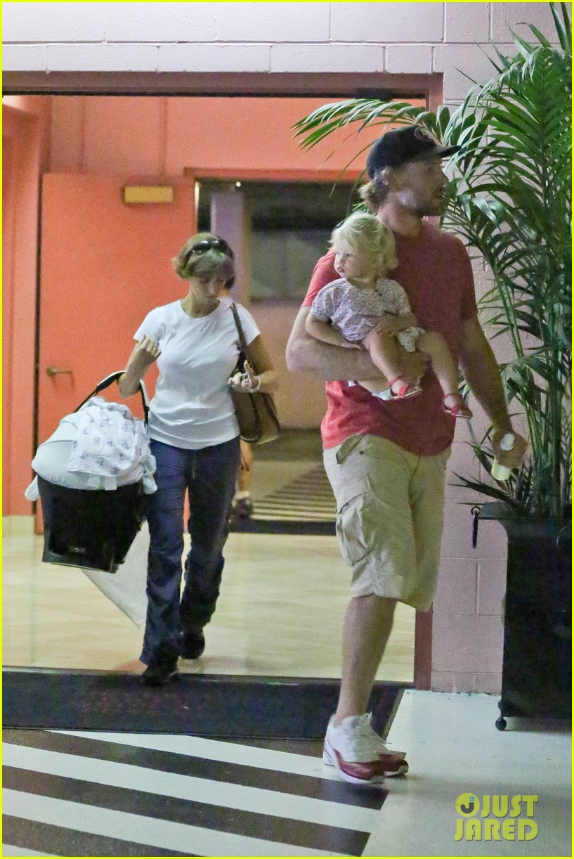 jessica simpson eric johnson step out after aces birth 112921474