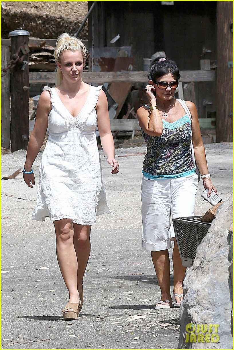 britney spears lunches with david lucado mom lynne 012941406