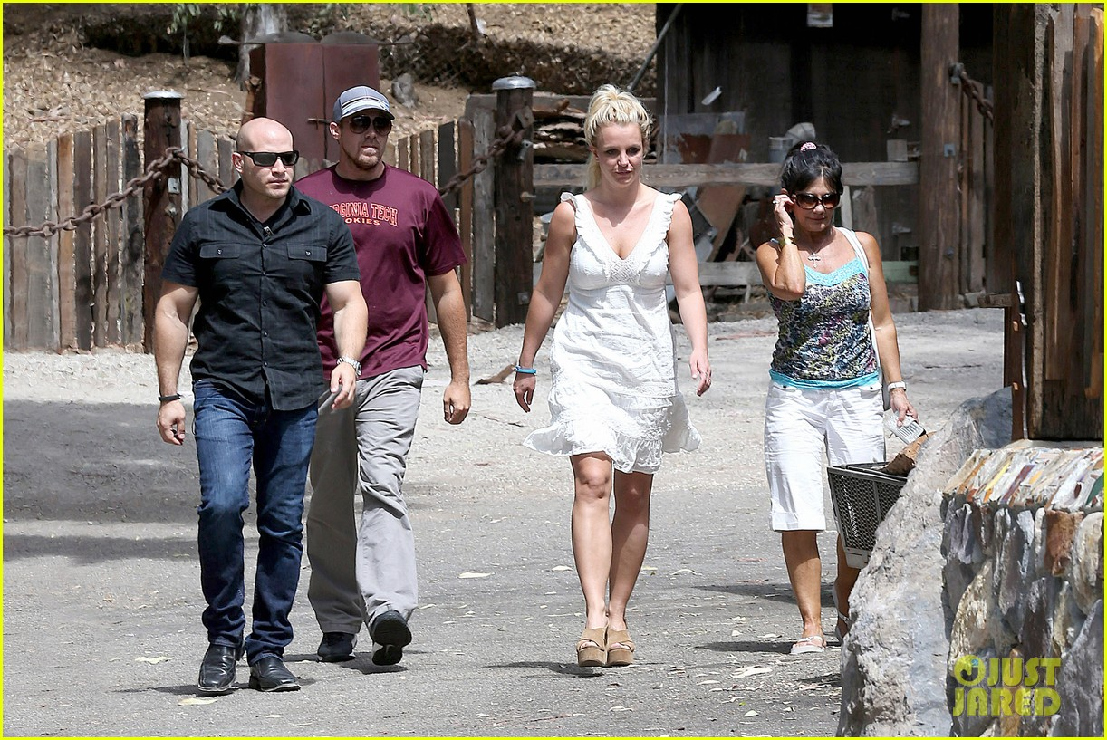 britney spears lunches with david lucado mom lynne 062941411