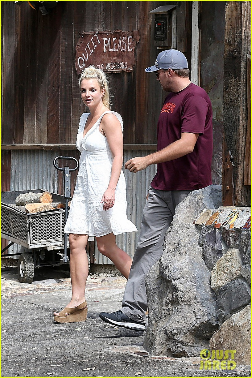 britney spears lunches with david lucado mom lynne 082941413