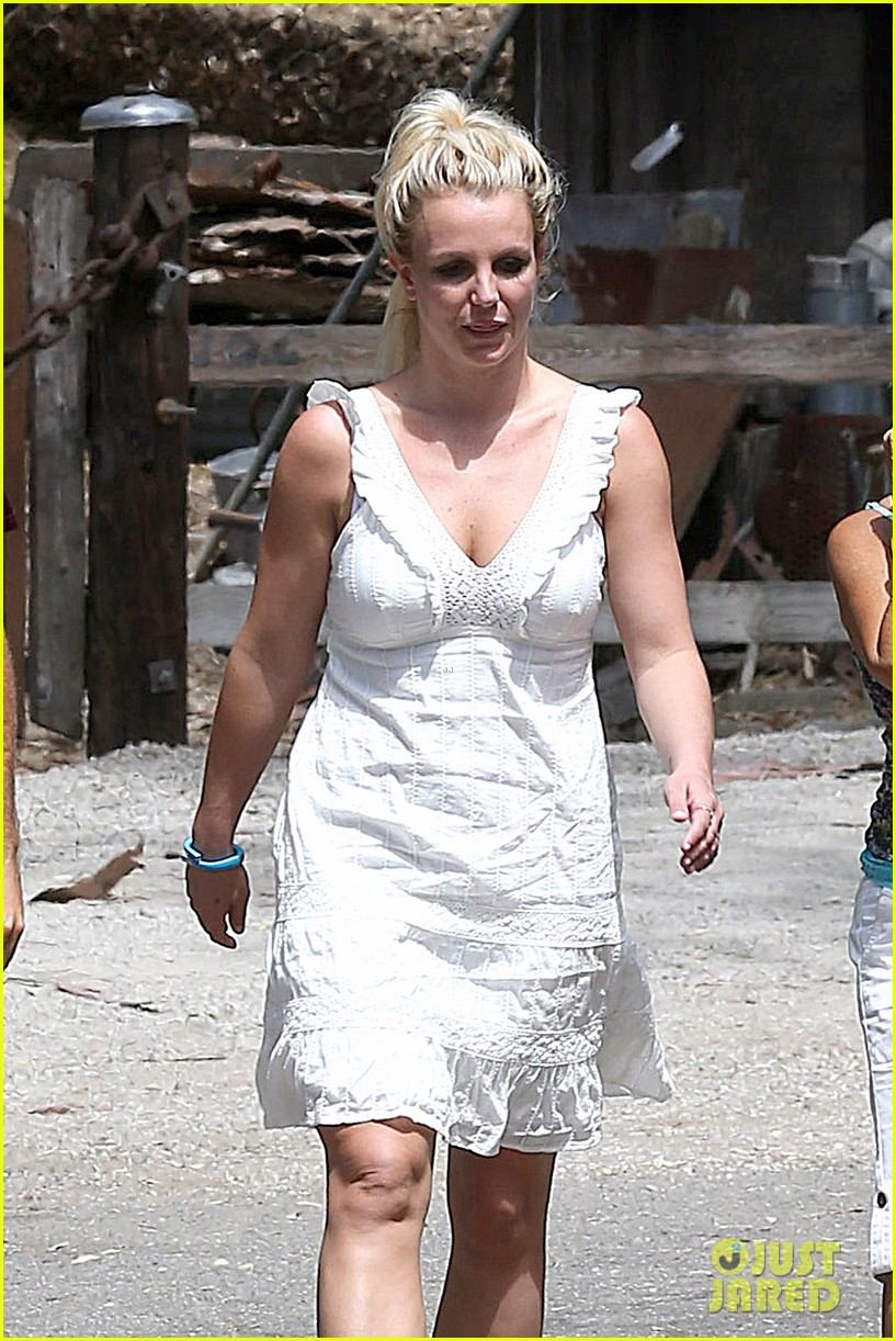britney spears lunches with david lucado mom lynne 102941415