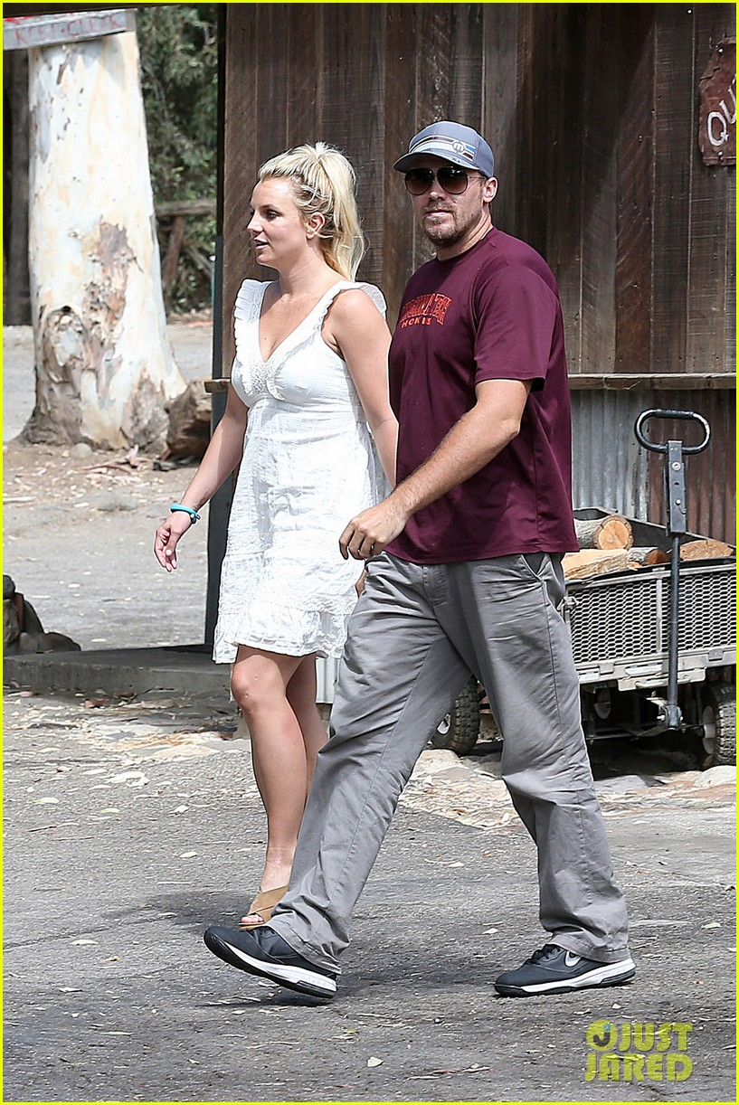 britney spears lunches with david lucado mom lynne 162941421