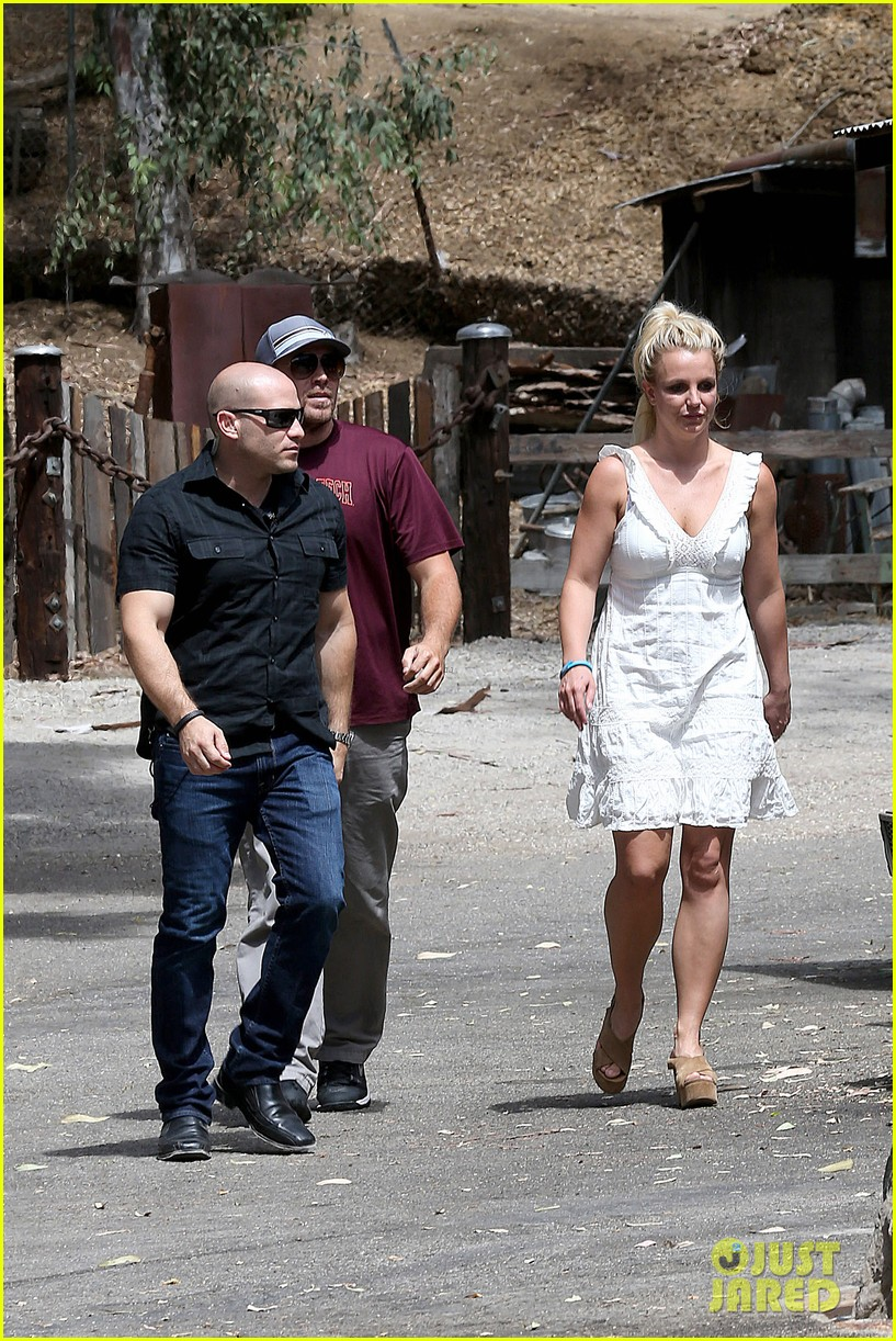 britney spears lunches with david lucado mom lynne 17