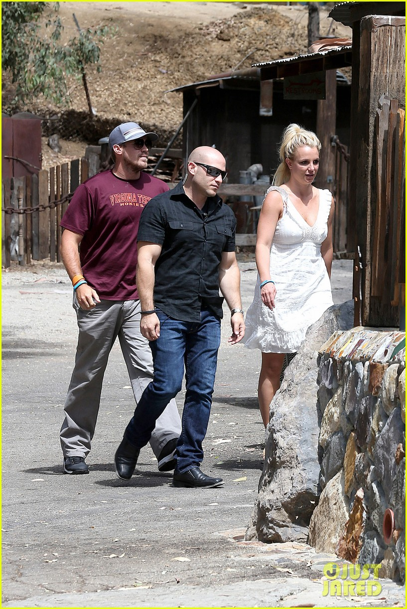britney spears lunches with david lucado mom lynne 18