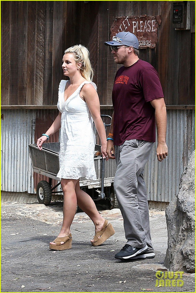 britney spears lunches with david lucado mom lynne 242941429