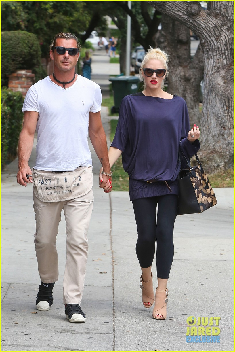 gwen stefani gavin rossdale hold hands for hugos lunch date 152940241