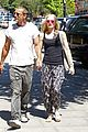 gwen stefani gavin rossdale hold hands for lunch 05