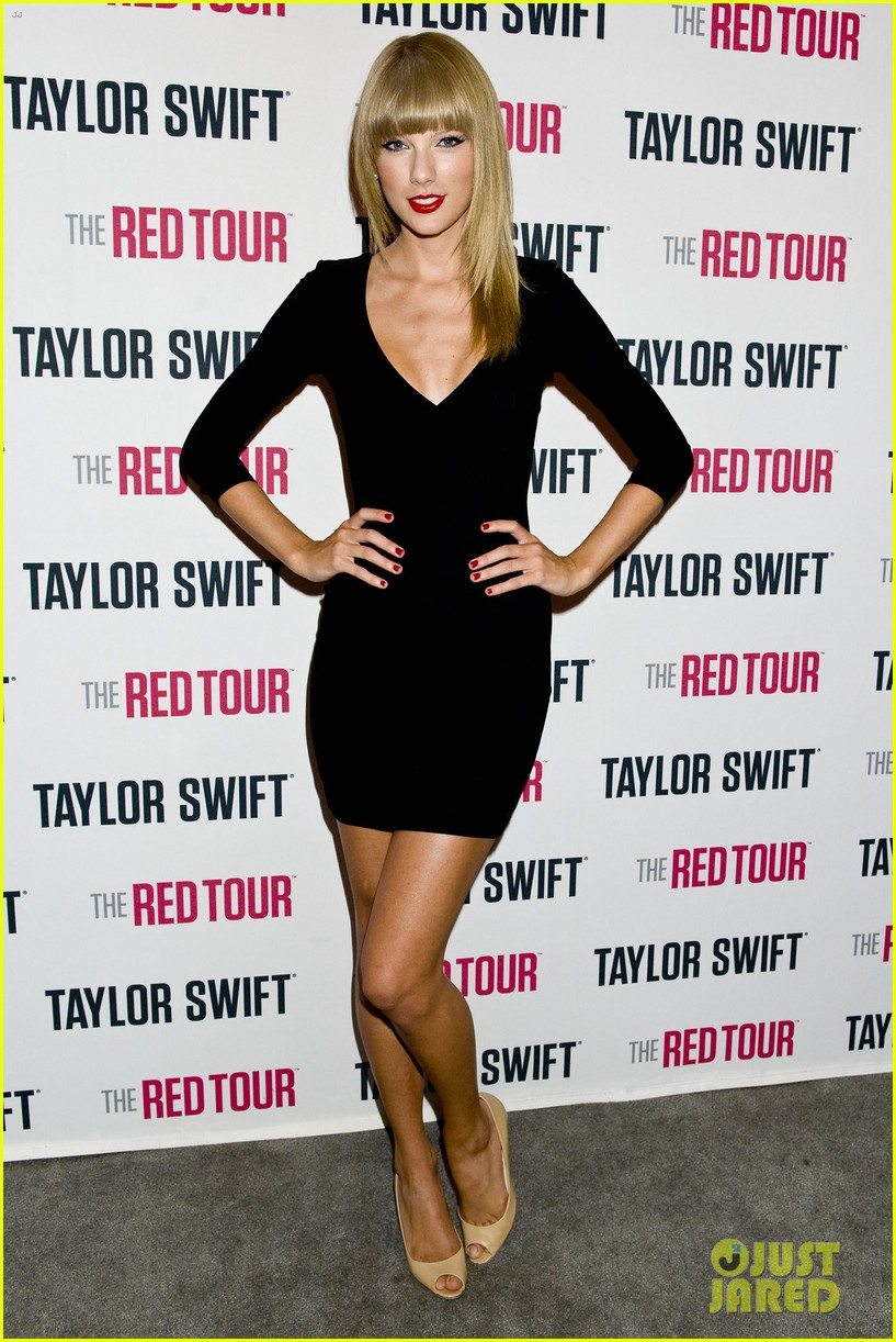 taylor swift sara bareilles perform brave on the red tour 072933840