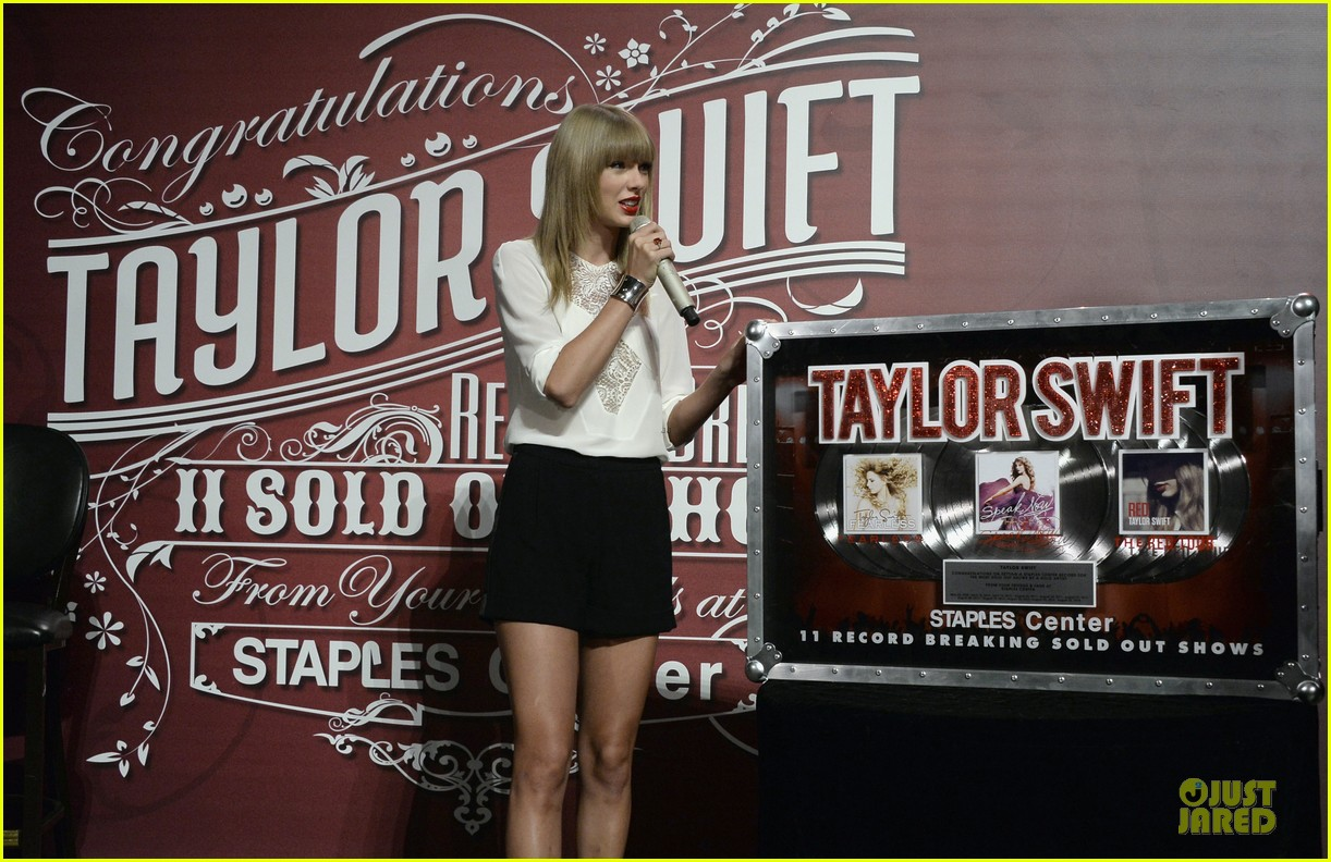 taylor swift 11 record breaking sold out shows at staples center 112934386
