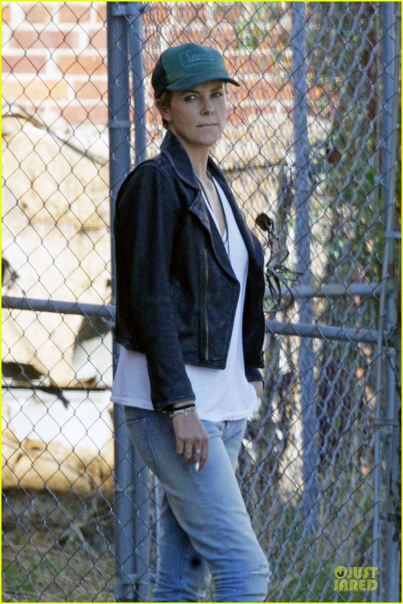 charlize theron dark places starts shooting 022939030