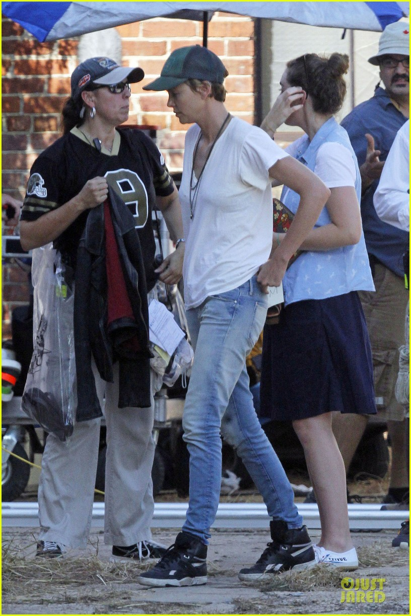 charlize theron dark places starts shooting 032939031