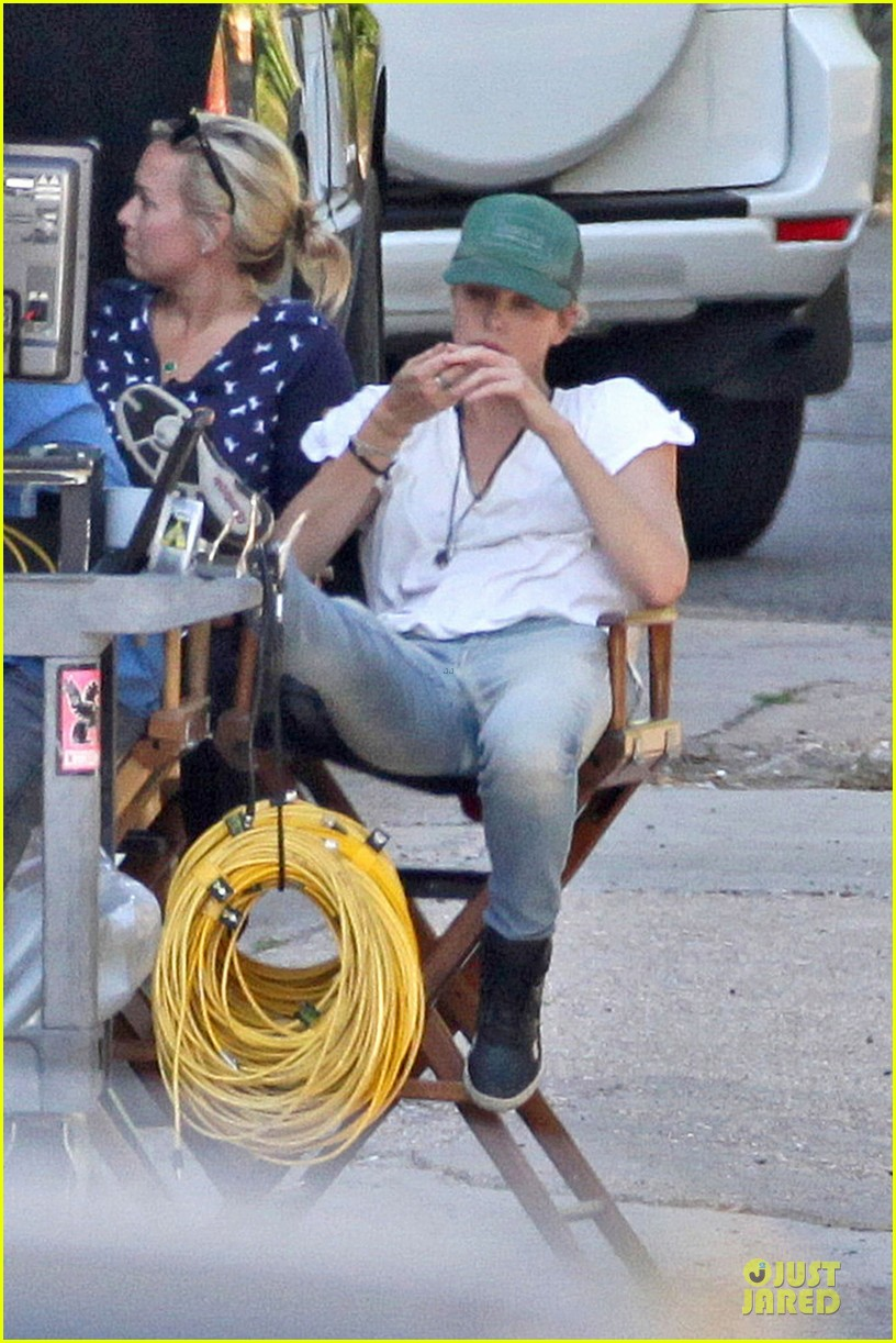 charlize theron dark places starts shooting 052939033