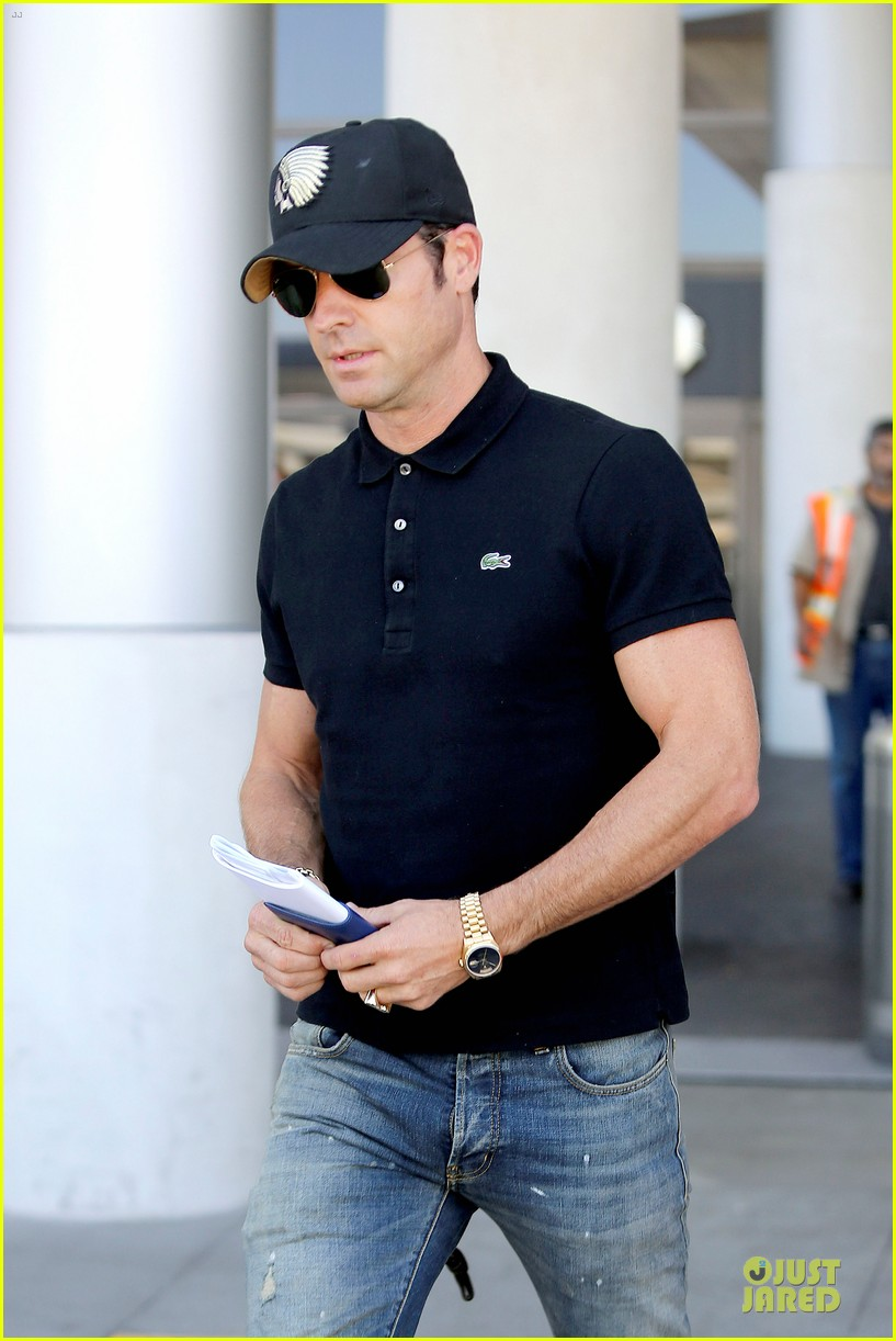 justin theroux immigration and border patrol office at lax 022939064