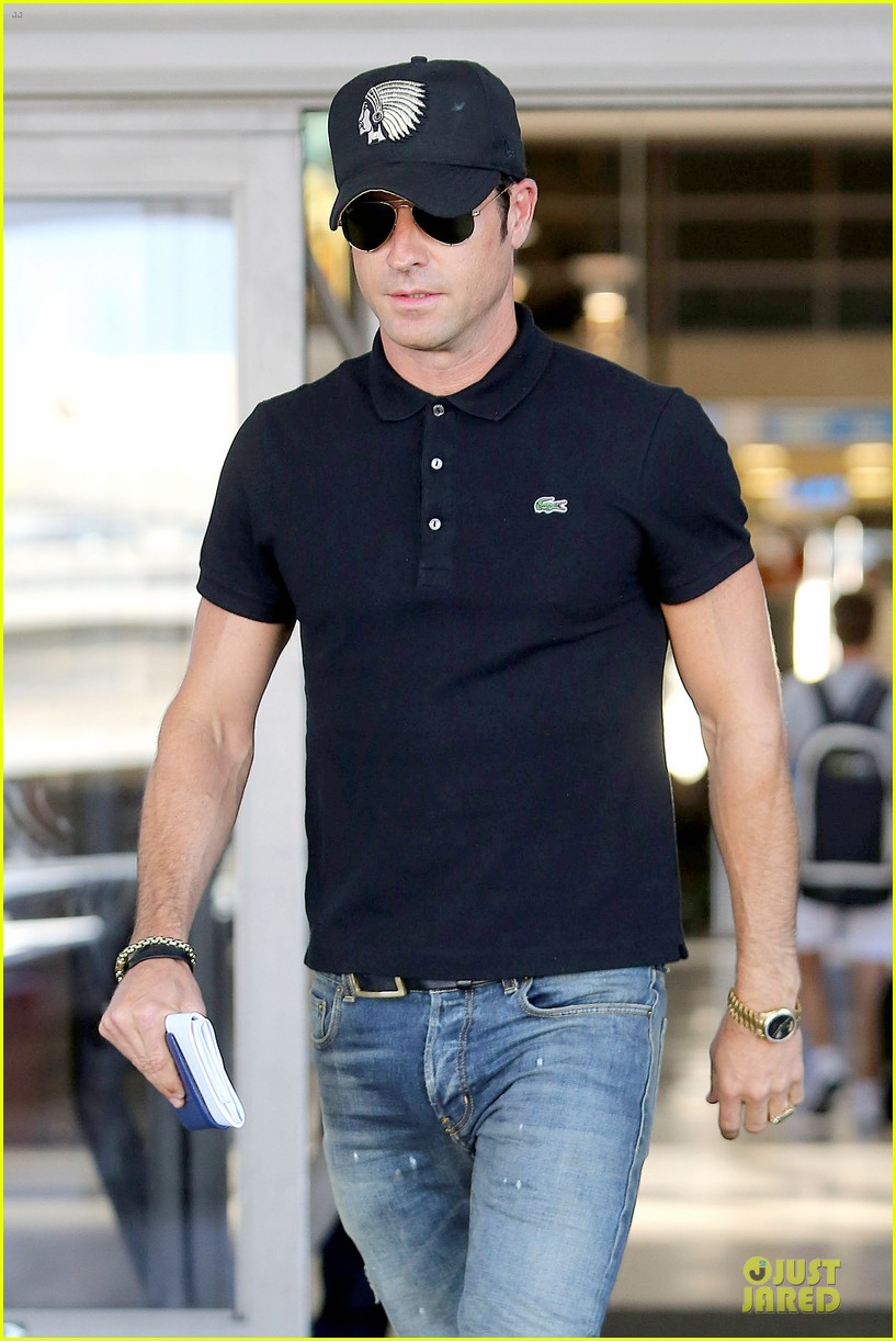 justin theroux immigration and border patrol office at lax 062939068