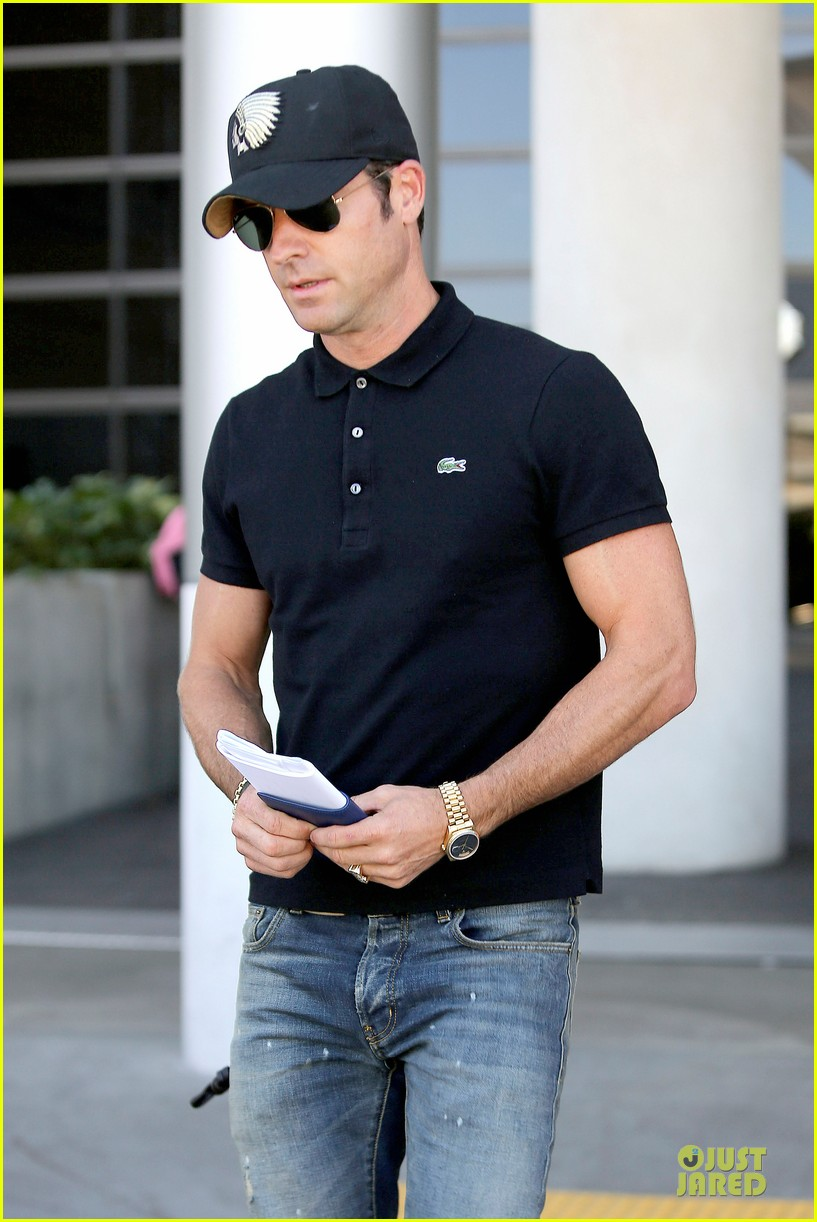 justin theroux immigration and border patrol office at lax 102939072