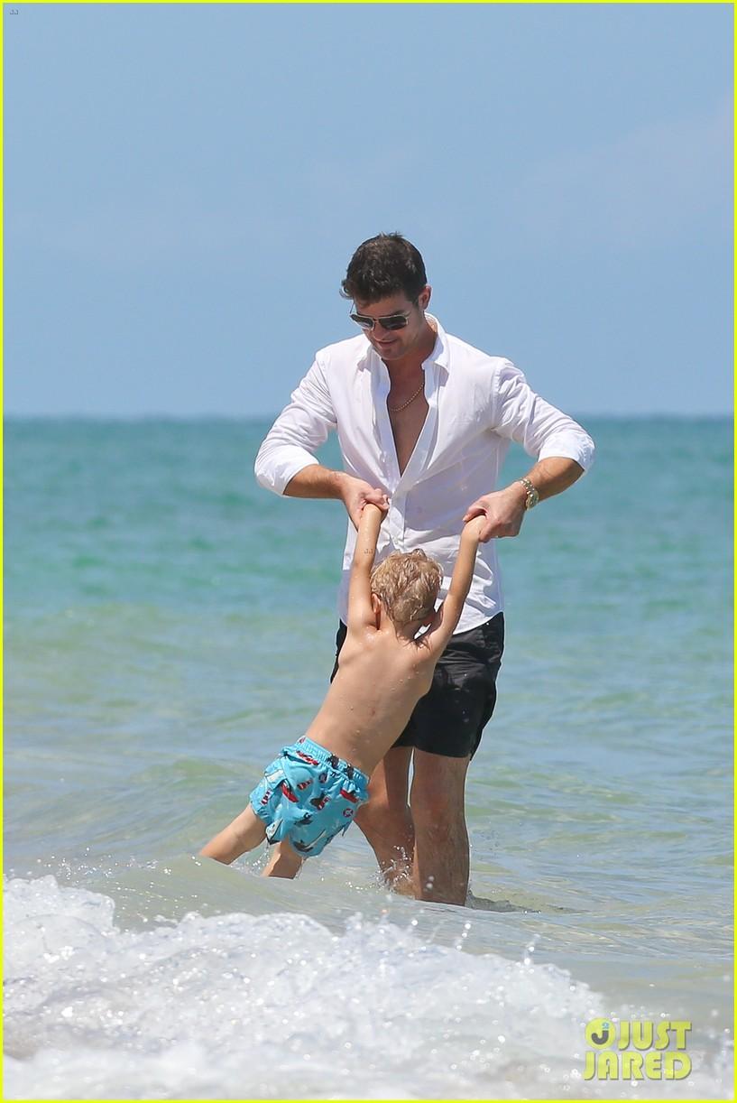 robin thicke paula patton beach day with julian 092940335