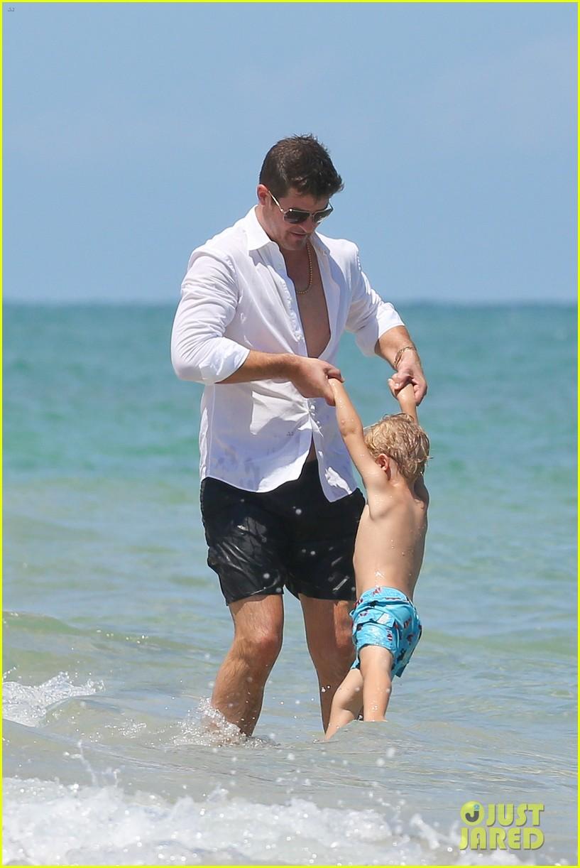 robin thicke paula patton beach day with julian 112940337