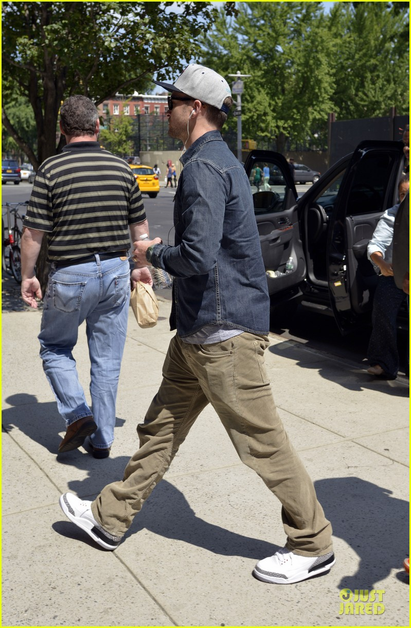 justin timberlake steps out after defending miley cyrus 032939209