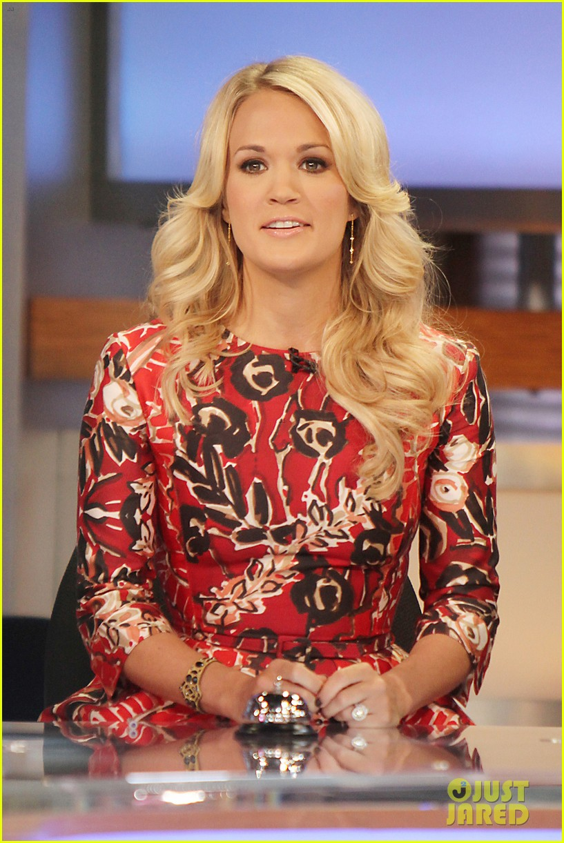 carrie underwood delivers pop news on gma 022928774