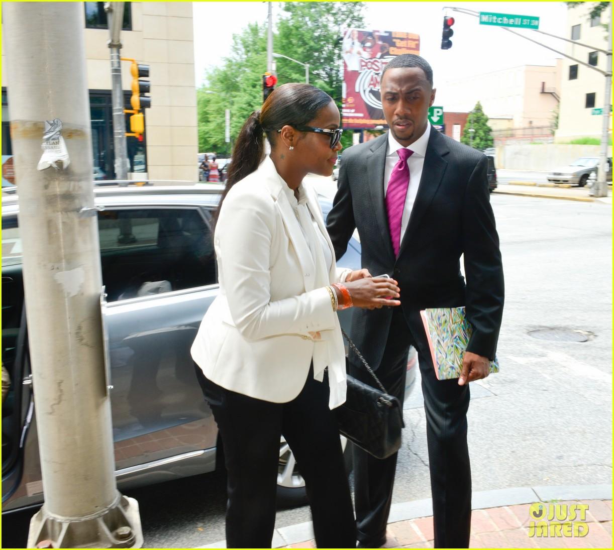 usher wins custody battle hugs tameka foster after trial 062926787