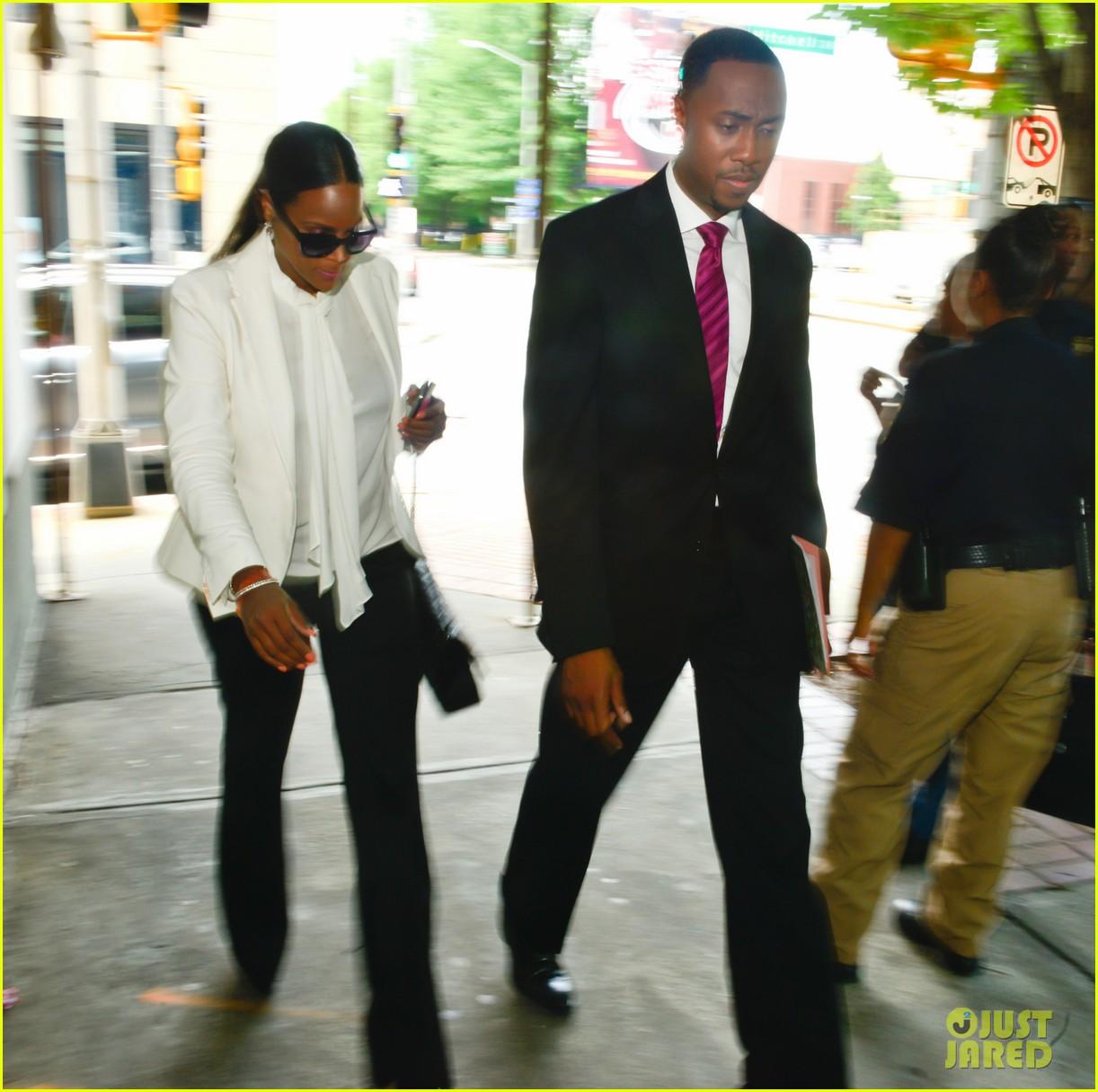 usher wins custody battle hugs tameka foster after trial 072926788