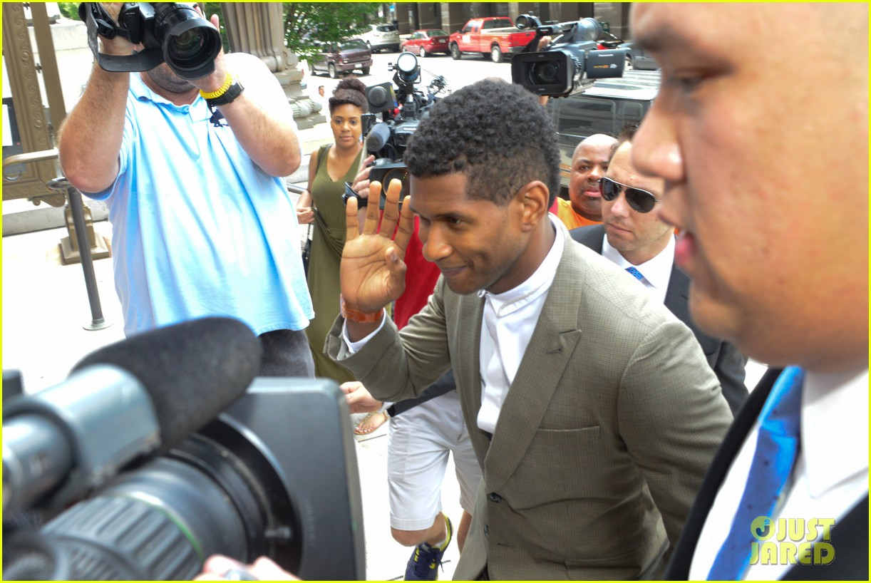 usher wins custody battle hugs tameka foster after trial 172926798