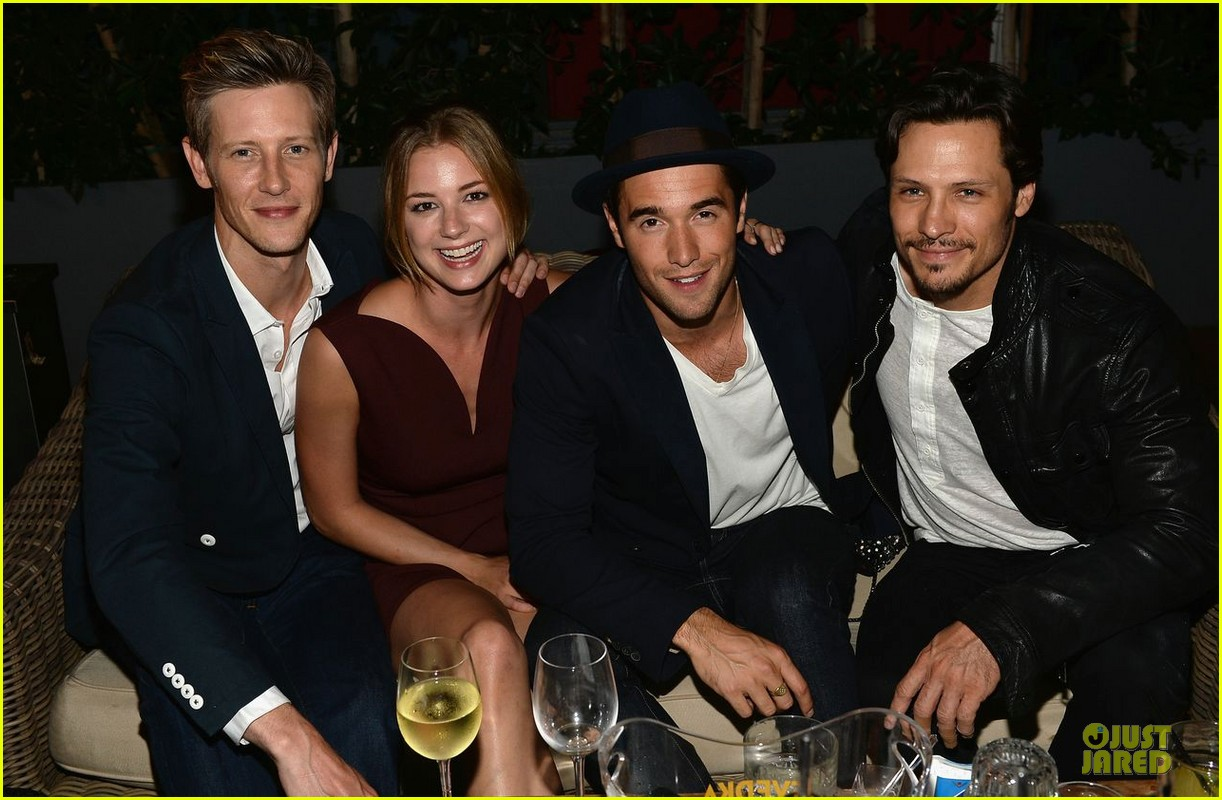 emily vancamp josh bowman nylon september cover party 042938085