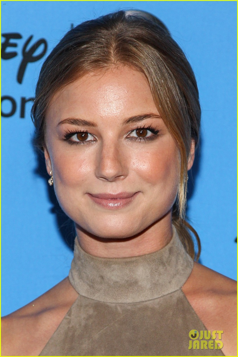 emily vancamp joshua bowman tcas disneyabc party 112923848