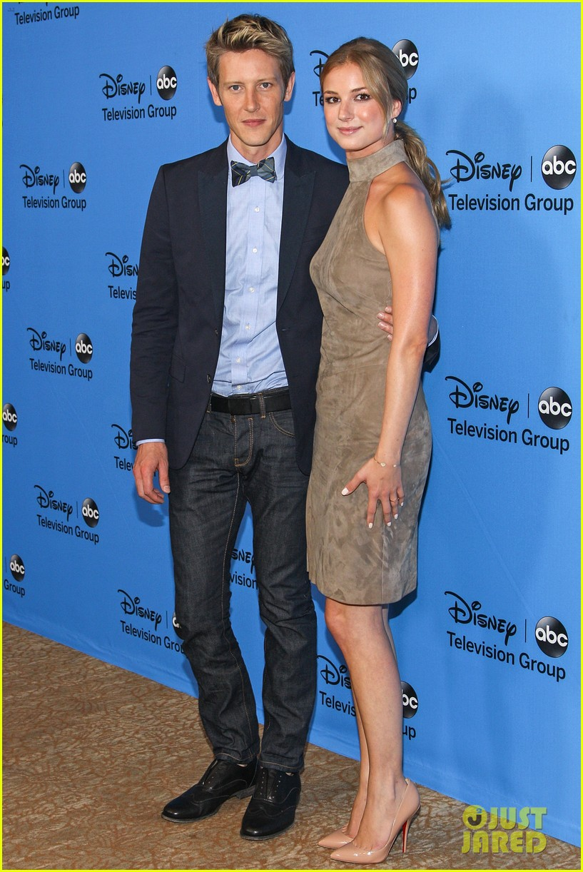 emily vancamp joshua bowman tcas disneyabc party 182923855