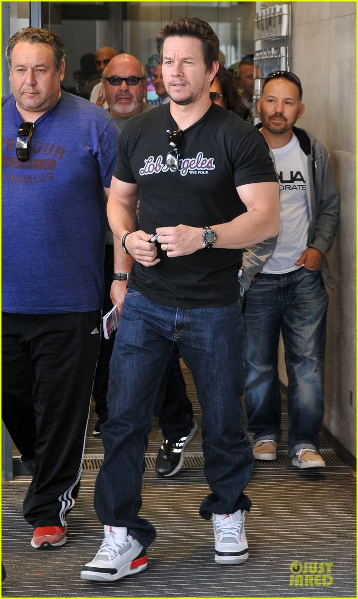 mark wahlberg gives advice for justin bieber 052925133