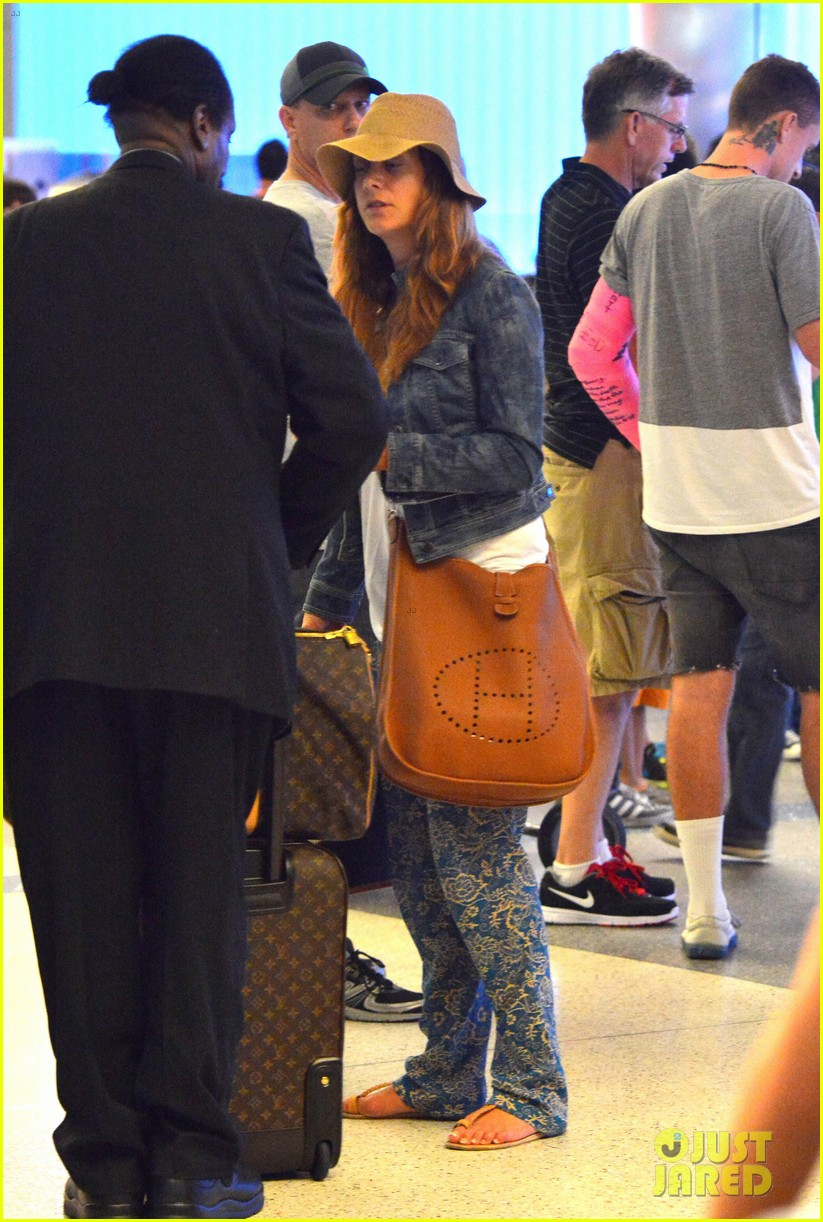 kate walsh ends caribbean vacation with flight to lax 092923928