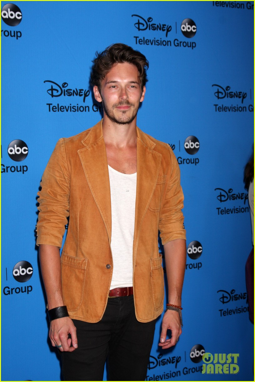 hannah ware camilla luddington abc tca party 042924187