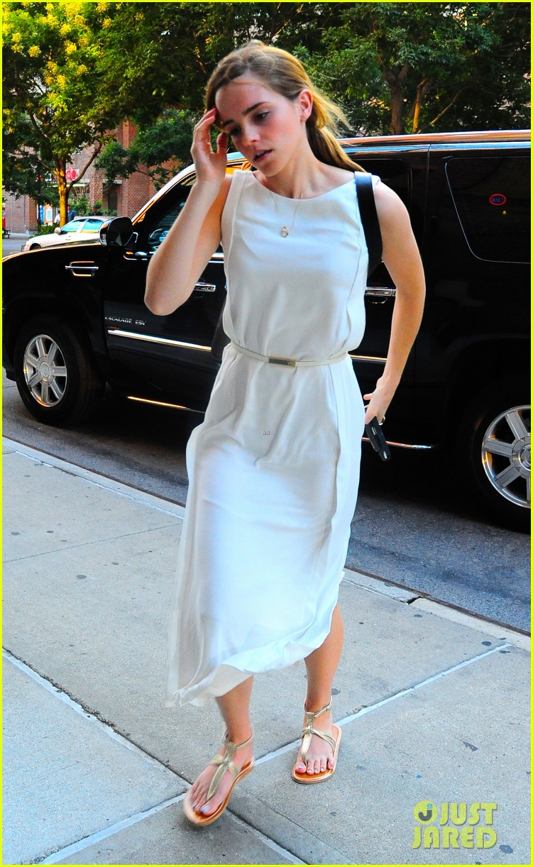 emma watson wears great gatsby sweatshirt over dress 042930928