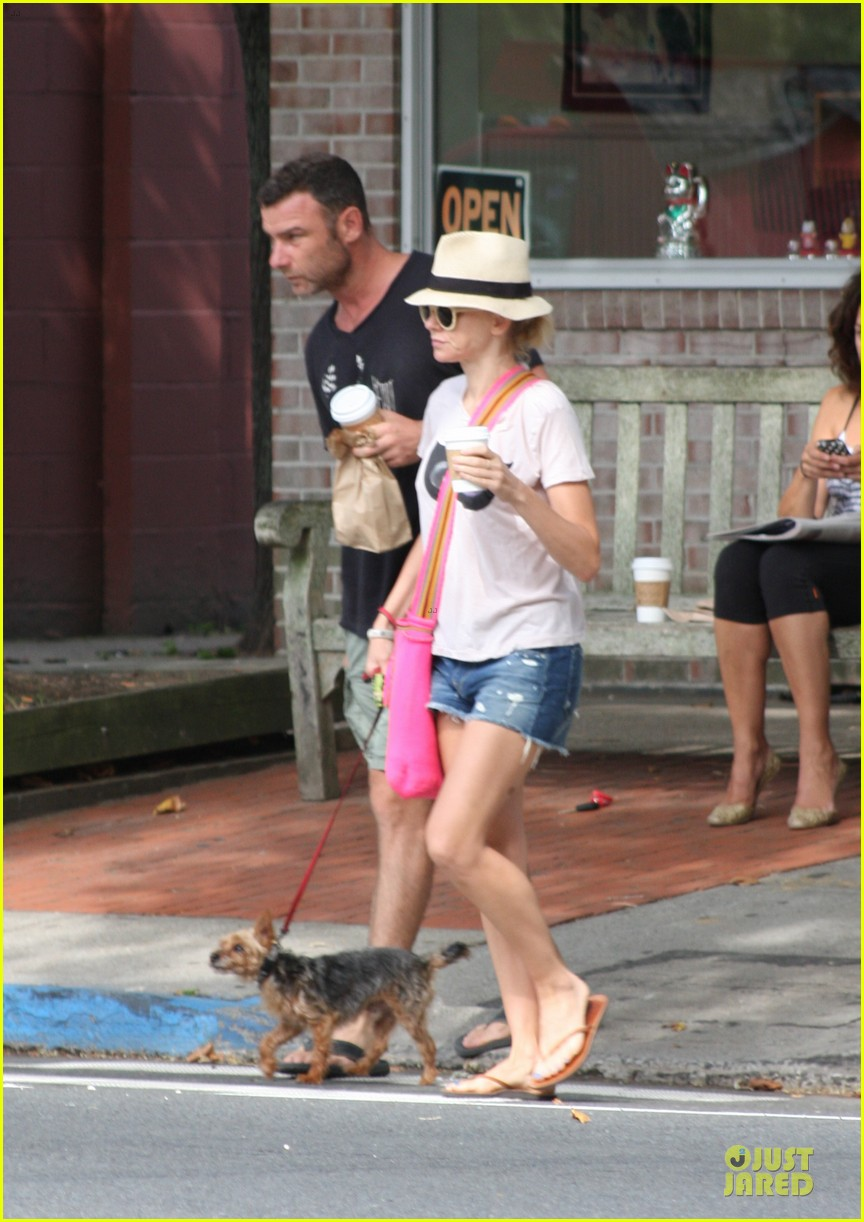 naomi watts liev schreiber stop for coffee with bob 012936487