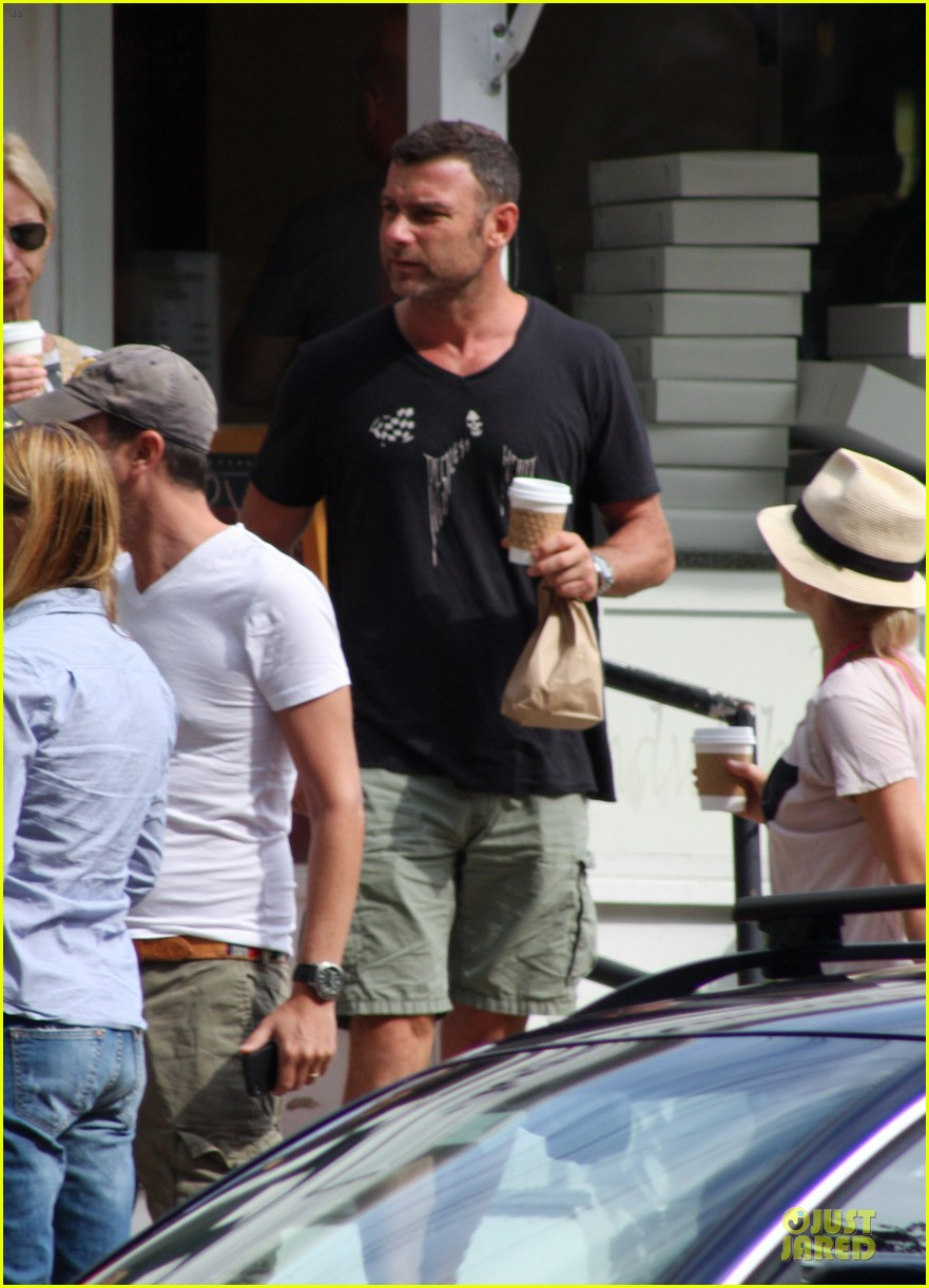 naomi watts liev schreiber stop for coffee with bob 022936488