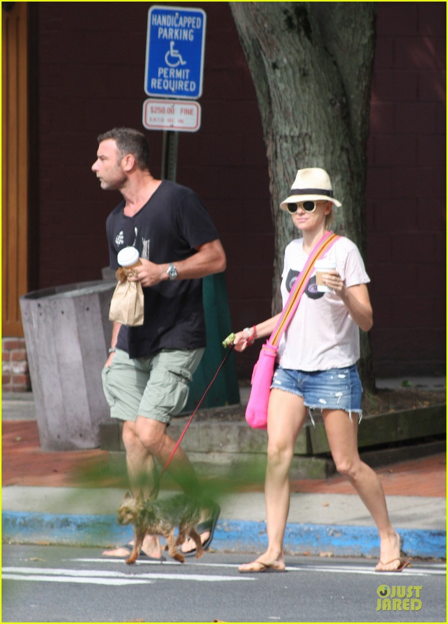 naomi watts liev schreiber stop for coffee with bob 032936489