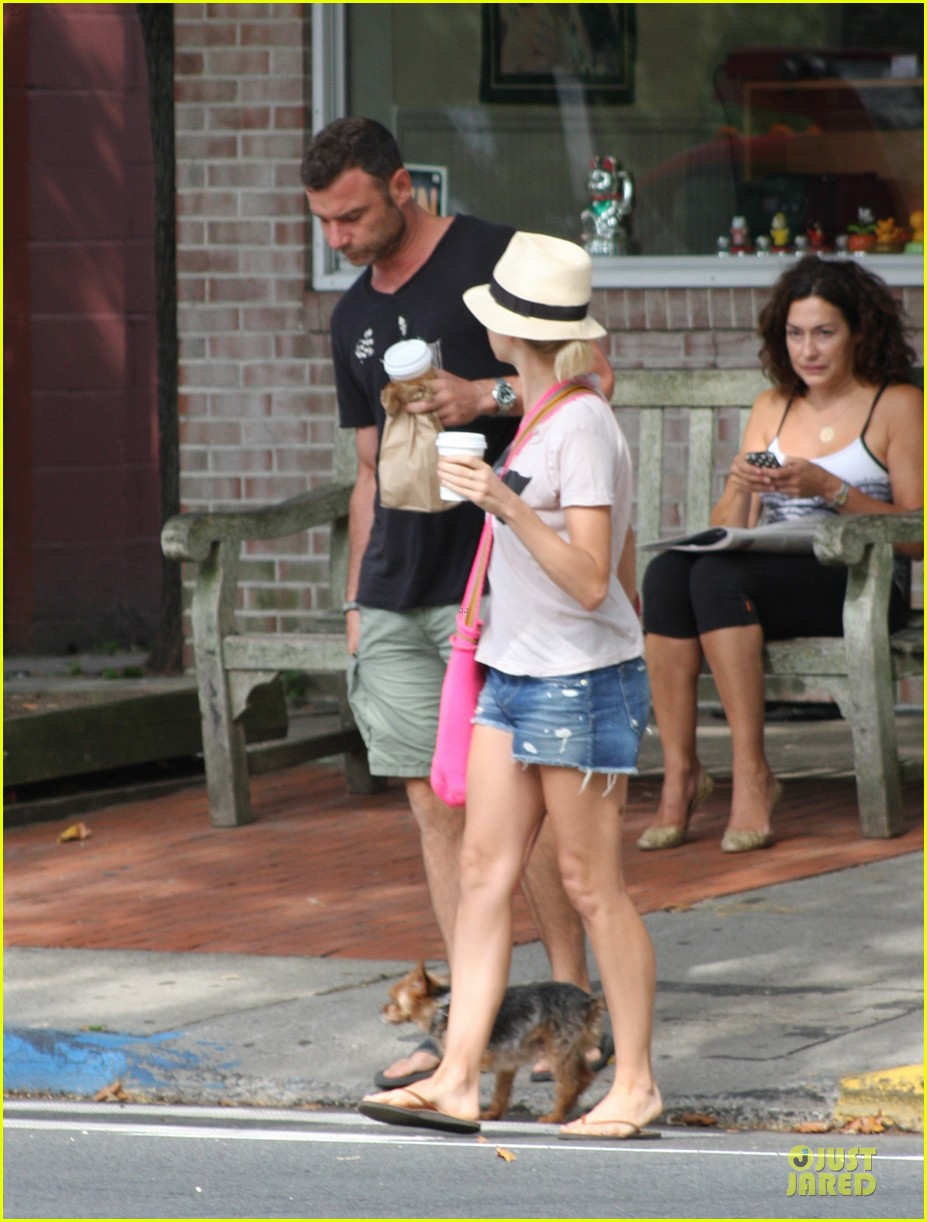 naomi watts liev schreiber stop for coffee with bob 062936492