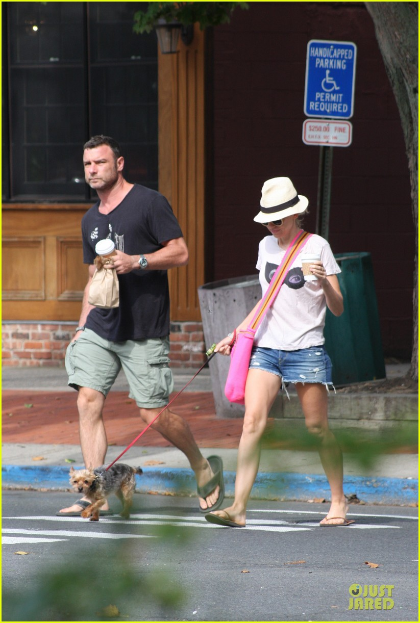 naomi watts liev schreiber stop for coffee with bob 072936493