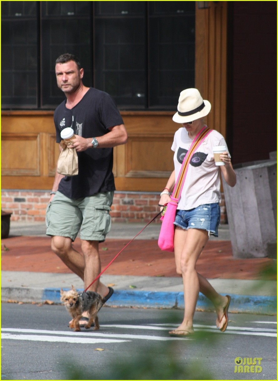 naomi watts liev schreiber stop for coffee with bob 082936494