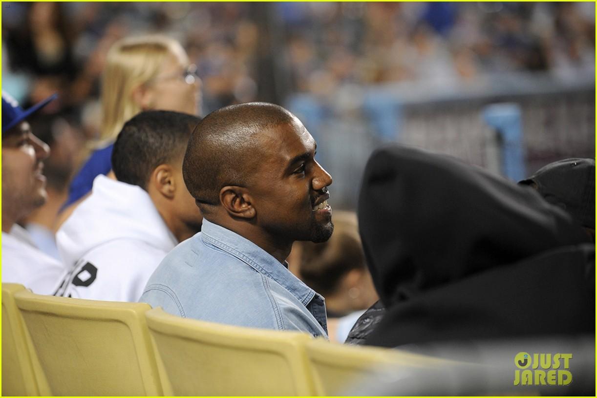 kanye west dodgers game after kim kardashian steps out 032931203